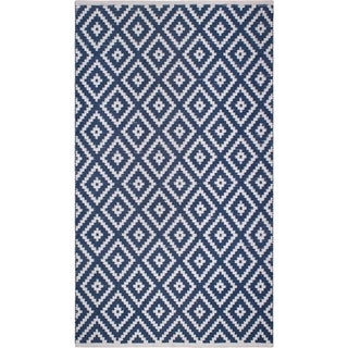 Handmade Chanler Blue Indoor/Outdoor Floor PET Rug (India) - 8' x 10'