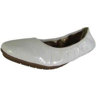 Me Too Womens Icon Ballet Flat Shoes, White Patent (More options available)
