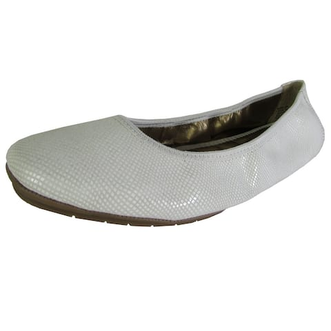Me Too Womens Icon Ballet Flat Shoes, White Snake