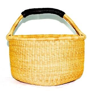 Handmade round Bolga basket shopper (Ghana)