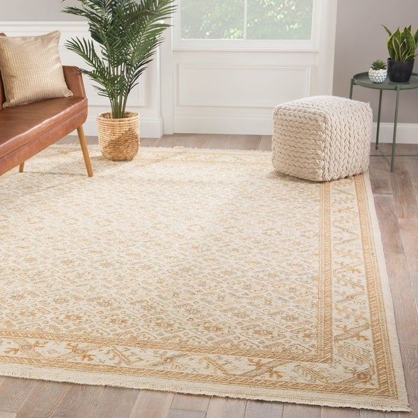 Esta Hand-Knotted Trellis Gold/ Light Gray Area Rug - 2' x 3'