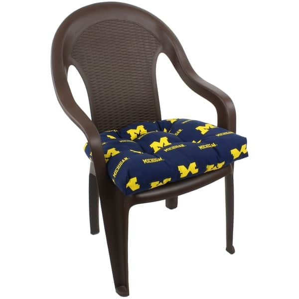 Michigan Wolverines Indoor Outdoor Seat Cushion Patio D Cushion 20 X 20 2 Tie Backs 20 X 20 X 3 Overstock 21705655