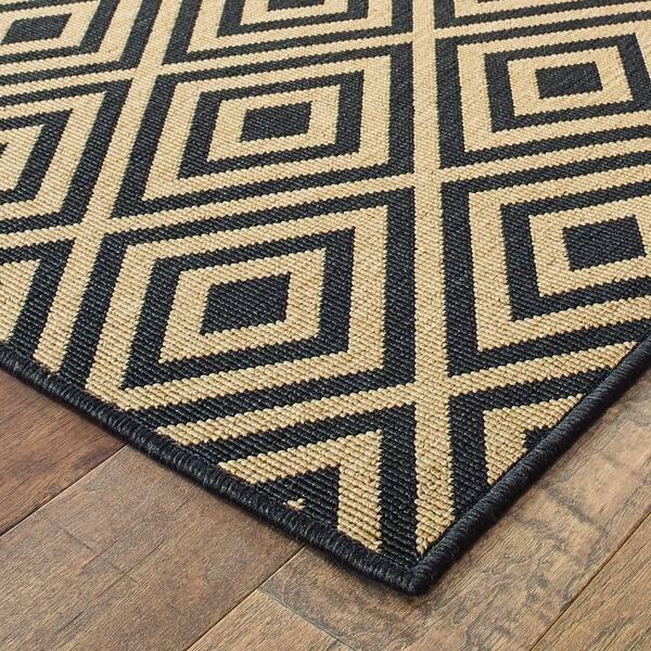 Geometric Diamond Black Tan Loop Pile