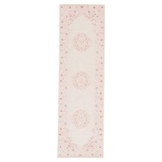 """Everly Medallion Pink/ White Runner Rug (2'6""""X8') - 2'6 x 8'"""