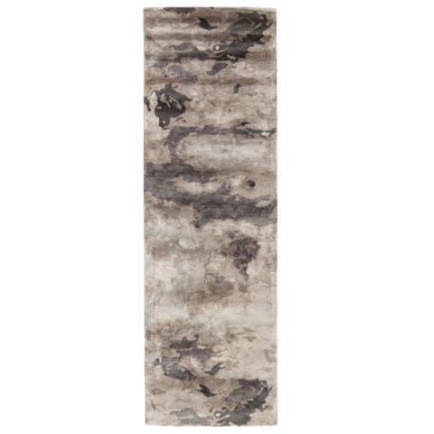 "Mudra Handmade Abstract Gray/ Silver Runner Rug (2'6""X8') - 2'6"" x 8' Runner"