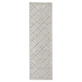"""Basset Geometric White/ Gray Runner Rug - 2'6"""" x 8' Runner"""