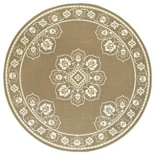 Bordered Medallion Tan/ Ivory Loop Pile Indoor-Outdoor Area Rug - 7'10 x 7'10