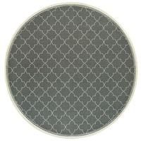 "Simple Lattice Grey/ Ivory Loop Pile Indoor-Outdoor Area Rug - 7'10"" Round"