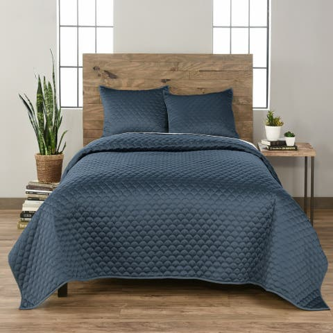 Vue Elements Ella 3 Piece Quilt Set