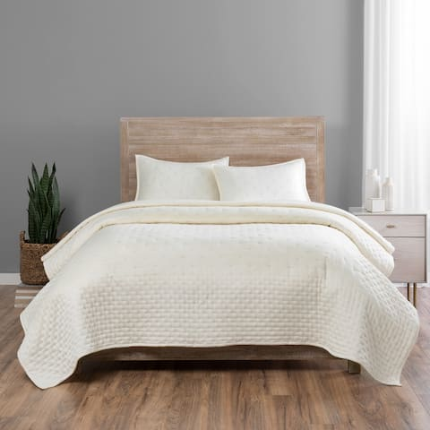 Vue Elements Regency 3 Piece Coverlet