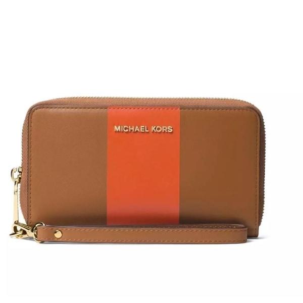 27e15d65664609 Shop Michael Kors Center Stripe Jet Set Travel Large Phone Case - L ...