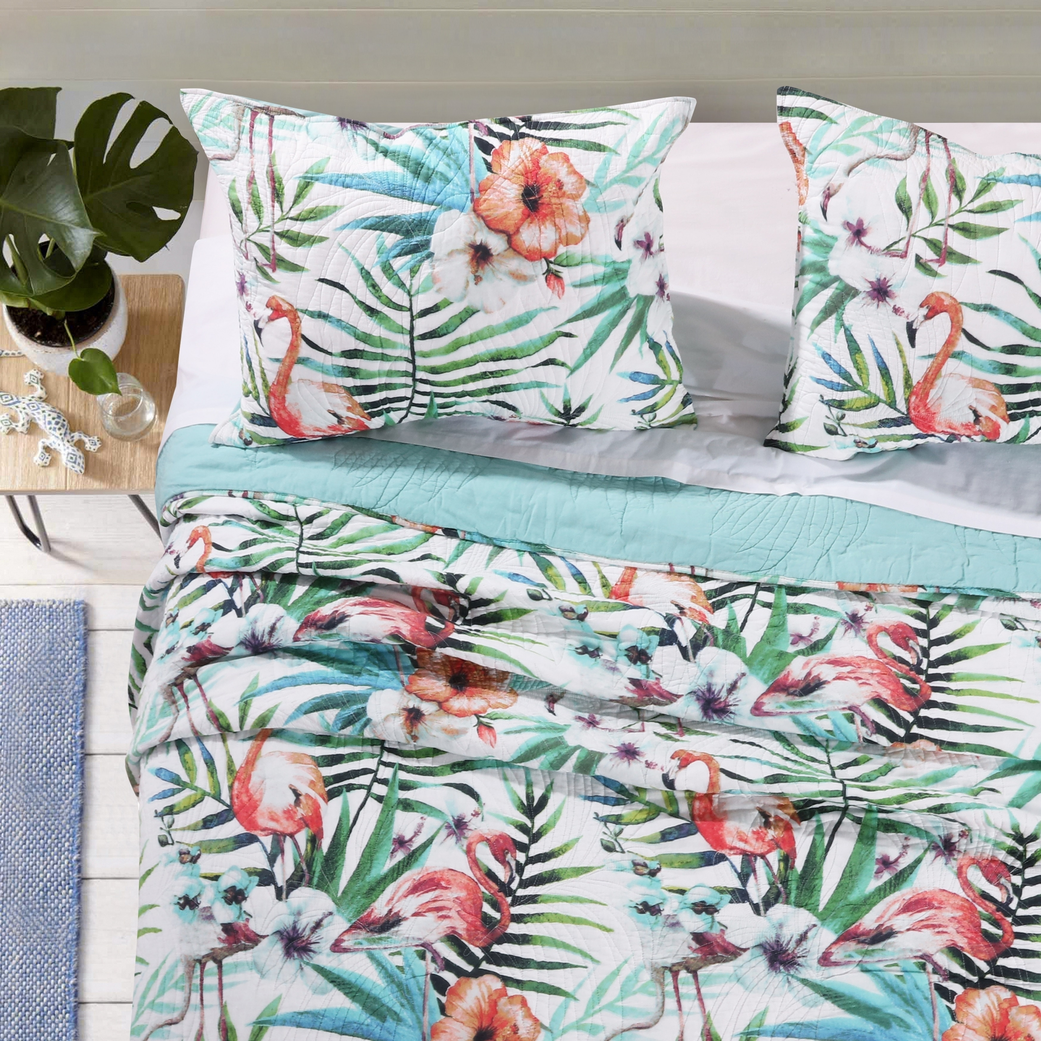 Flamingo Quilted Bedspread /& Pillow Shams Set Lovers Kissing Artful Print