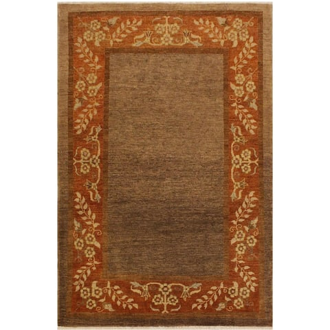 Gabbeh Nilda Brown/Rust Wool Area Rug (4'1 x 5'9) - 4 ft. 1 in. x 5 ft. 9 in. - 4 ft. 1 in. x 5 ft. 9 in.