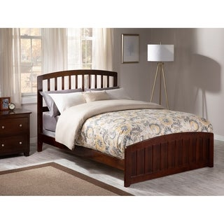 Richmond Full Traditional Traditional Bed with Matching Foot Board in Walnut
