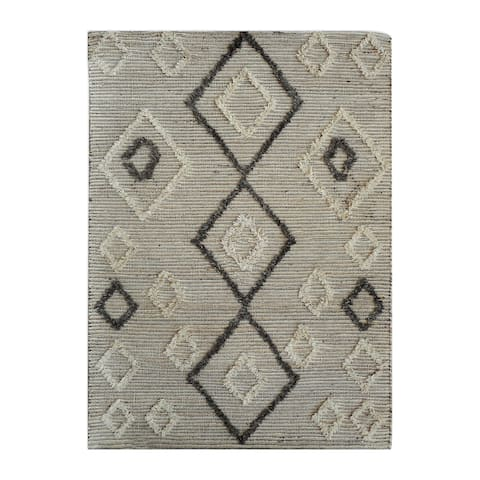 Uttermost Alvy Ivory and Grey Tribal Rug - 5' x 8'
