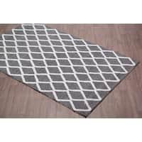 Aspen Diamond Grey/Silver Wool Handmade Rug - 8' x 10'