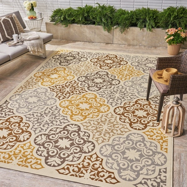 Shop Winnett Indoor Outdoor Floral Area Rug By
