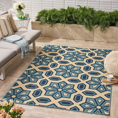 Tegan Indoor/ Outdoor Geometric Area Rug by Christopher Knight Home