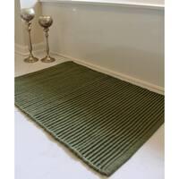 "Unbelievable Mats 20"" x 32"" Green Ribbed Bath Rug"