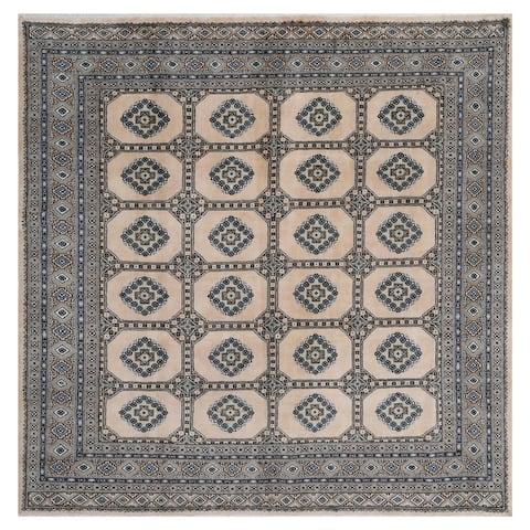 Handmade One-of-a-Kind Bokhara Wool Rug (Pakistan) - 6'8 x 6'8