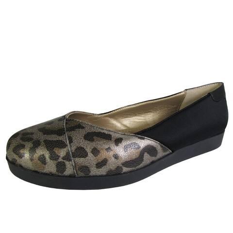 Me Too Womens Bridget Platform Flat Shoe Metallic Animal Print