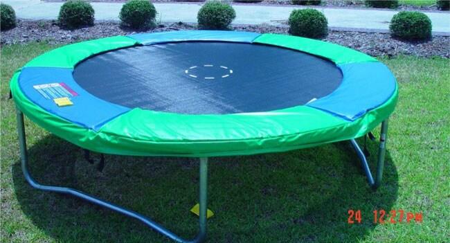 Round Trampoline (8' Round)