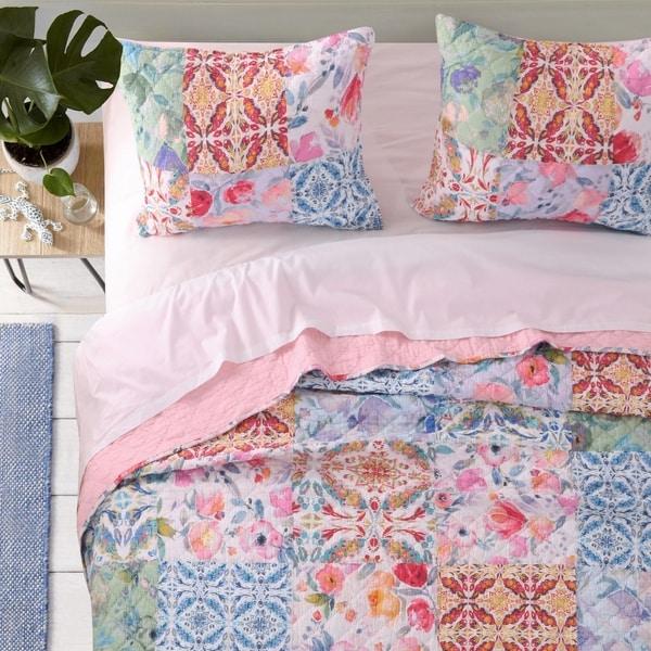 Greenland Home Joanna's Garden Authentic Patchwork Oversized Reversible Quilt Set