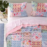 Greenland Home Joanna's Garden Authentic Patchwork Oversized Reversible Quilt Set