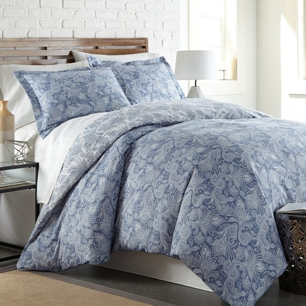 Vilano Plush All Seasons Perfect Paisley Down Alternative 3-piece Comforter. Opens flyout.