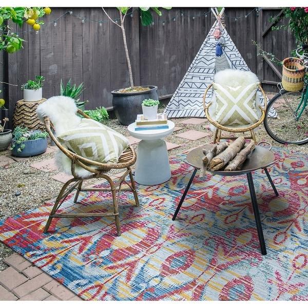 """Paradise Jardin Pink Indoor/Outdoor Area Rug - 3'11"""" x 5'6"""""""