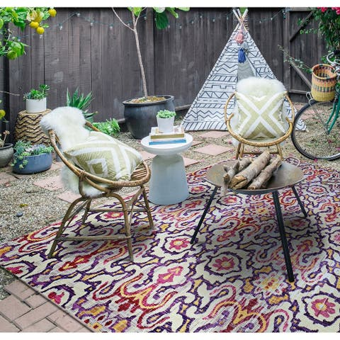 "Paradise Neiva Violet Indoor/Outdoor Area Rug - 3'11"" x 5'6"""