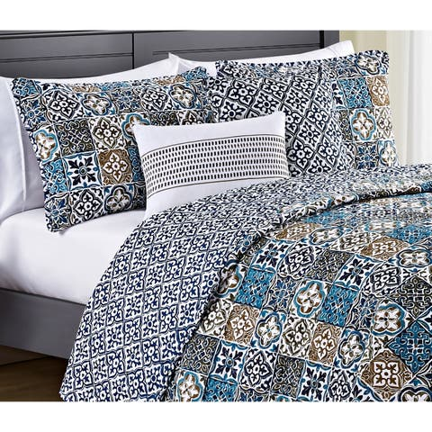 VCNY Home Azau Reversible Quilt Set