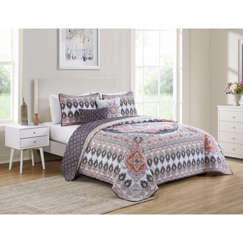 VCNY Home Valeria Reversible Medallion Quilt Set - Multi-color/blush