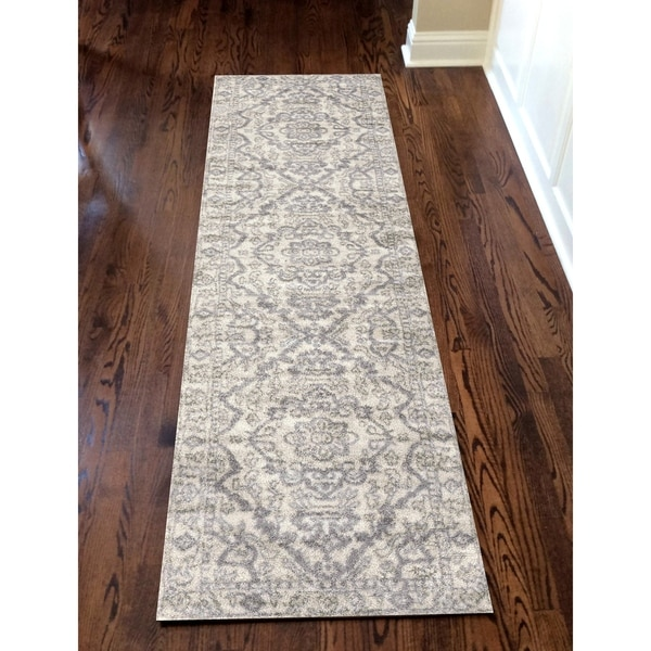 "Catherine Medallion Area Rug - 2'2"" x 7'7"" Runner"