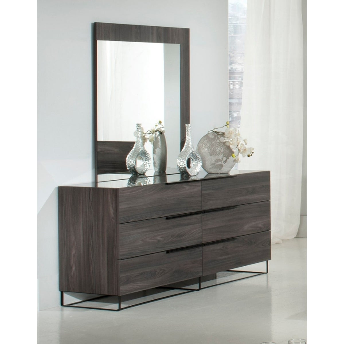 Nova Domus Enzo Italian Modern Grey Oak Dresser & Mirror
