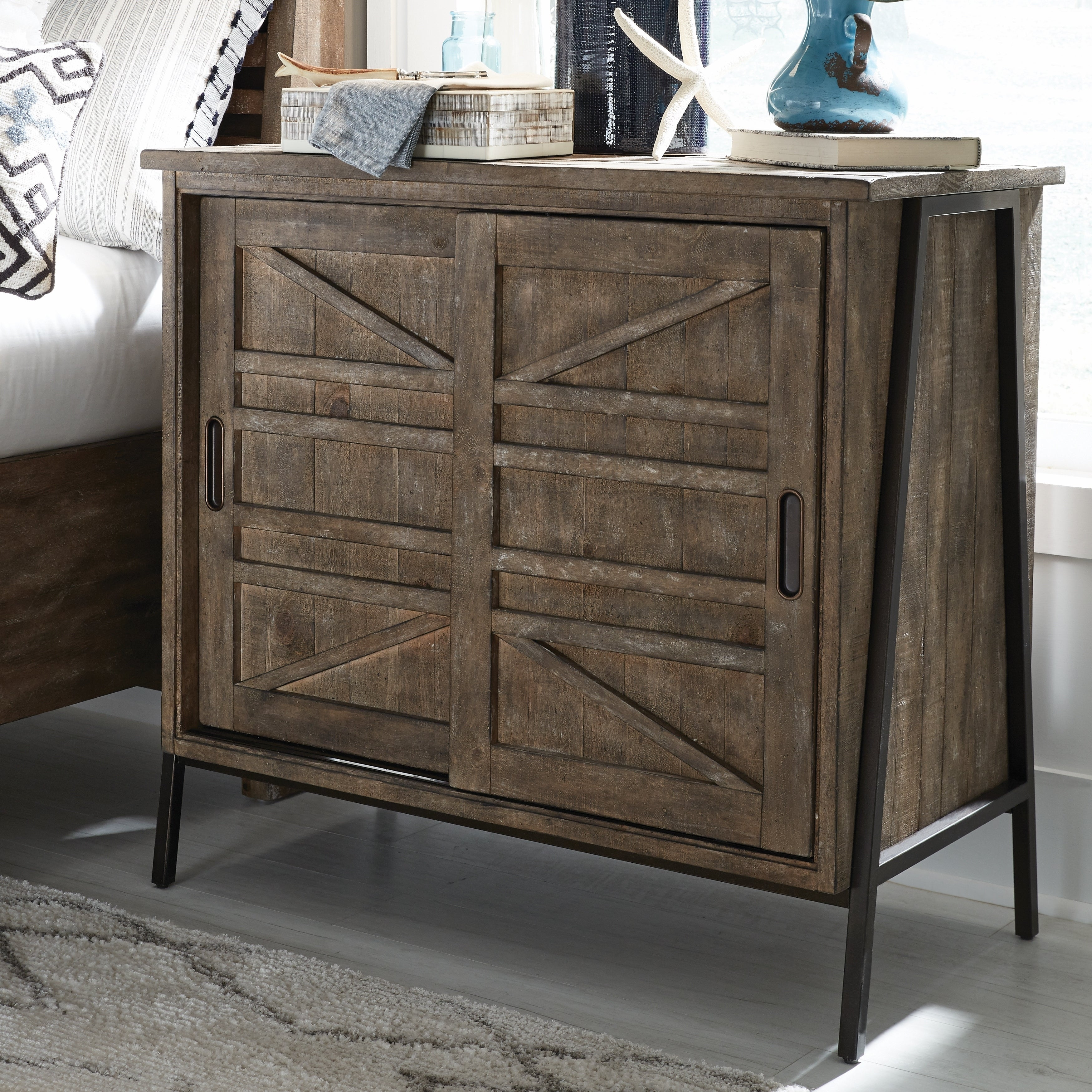 Bluff Heights Rustic Weathered Nutmeg Bachelor Chest