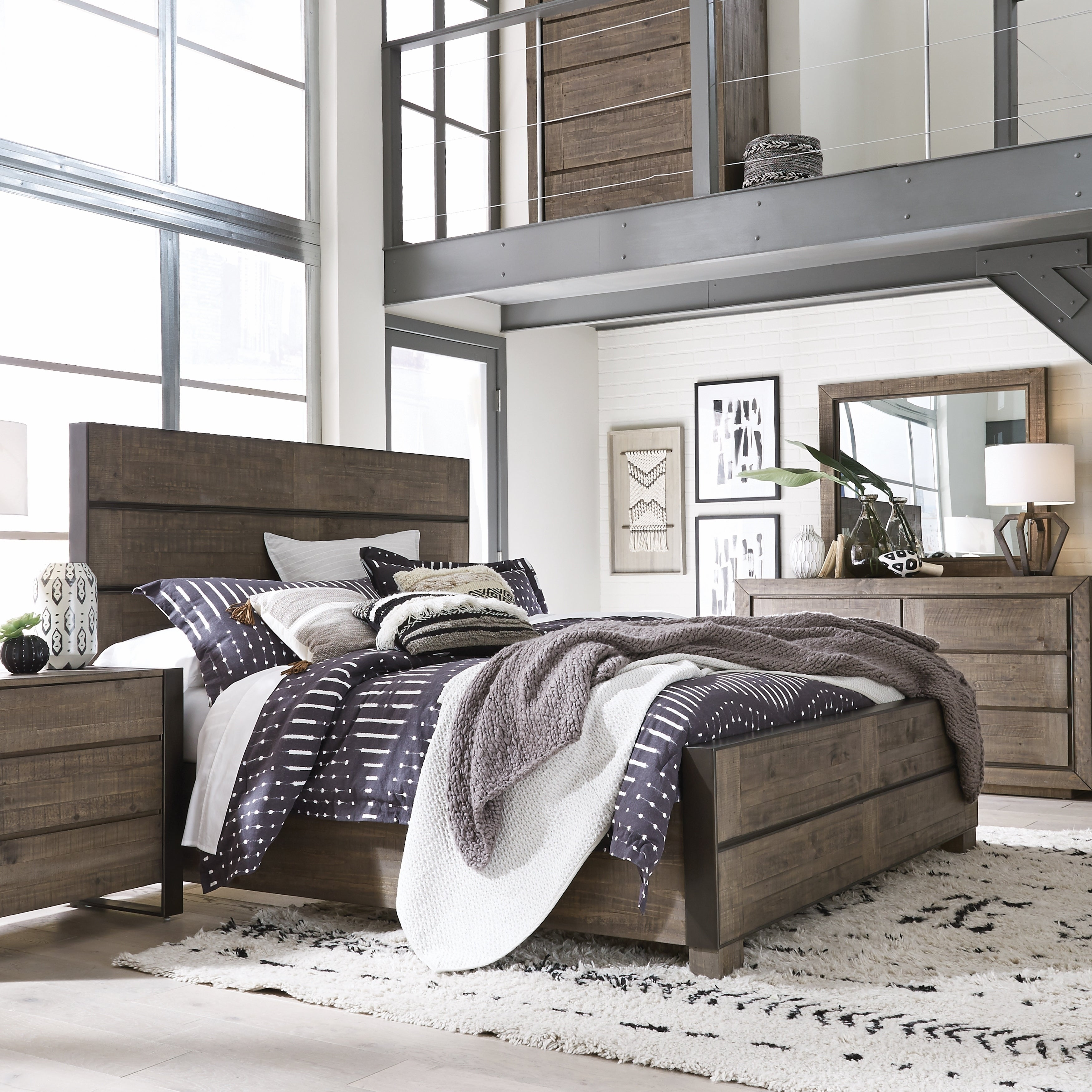 Granada Hills Contemporary King Metal and Wood Panel Bed