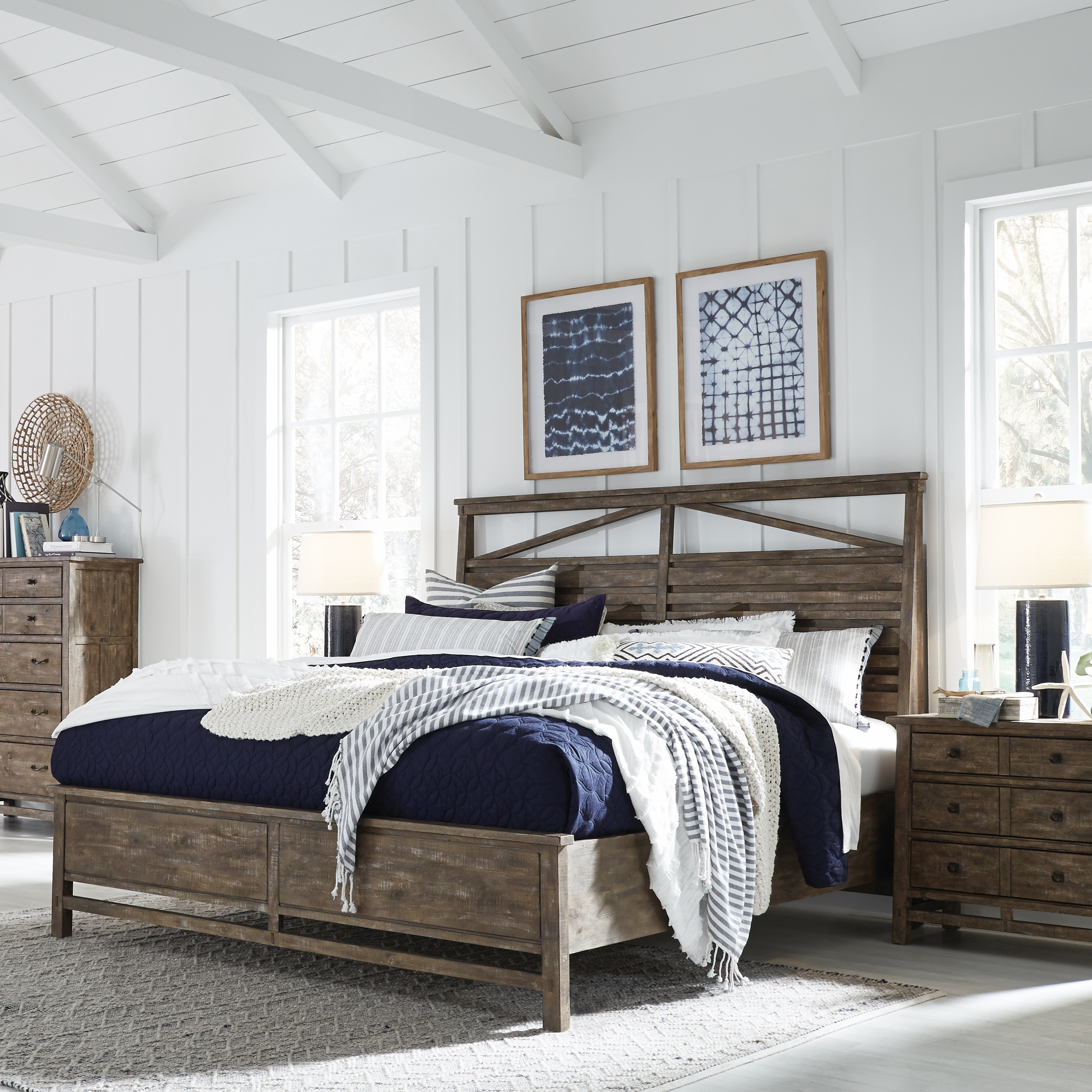 Bluff Heights Rustic King Panel Bed