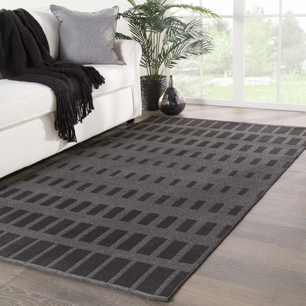 354865c358 Shop Nikki Chu Vaise Indoor/ Outdoor Geometric Gray/ Black Area Rug ...