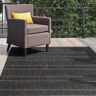 """nuLOOM Black Indoor/Outdoor Venetian Pinstripes Area Rug - 5'3"""" x 7'6"""""""