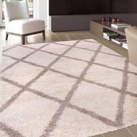 "Contemporary Diamond Trellis Soft Plush Shag Area Rug (7'10"" x 10')"