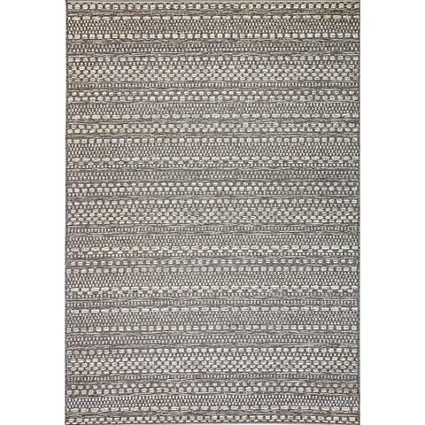 Solar Light Grey Indoor/Outdoor Area Rug - 3'11 x 5'7