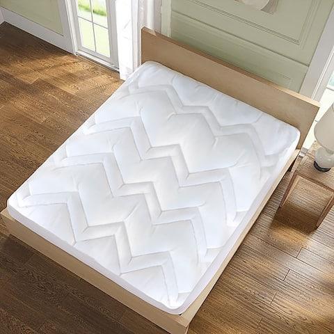 kathy ireland HOME Microfiber Mattress Pad - White