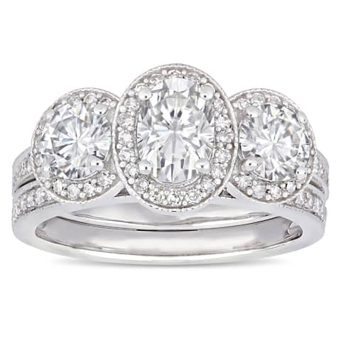 Moissanite by Miadora Signature Collection 14k White Gold 2ct TGW Moissanite and 2/5ct TDW Diamond Bridal Ring Set