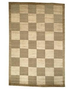 Safavieh Hand-knotted Tibetan Checkers Green/ Beige Tibetan Wool Rug (5' x 7'6)