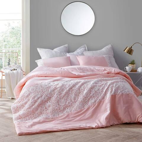 White Lace Comforter - Rose Quartz
