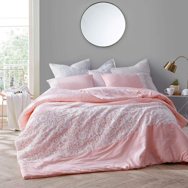 White Lace Comforter - Rose Quartz