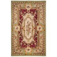 Safavieh Handmade Savonnerie Traditional Red / Ivory Wool Rug - 4' x 6'
