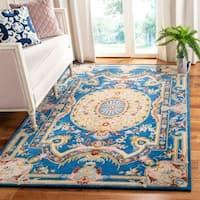 Safavieh Handmade Savonnerie Traditional Blue / Ivory Wool Rug - 4' x 6'