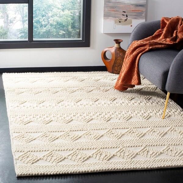 Safavieh Hand-Woven Natura Southwestern Ivory Wool Rug - 5' X 8'